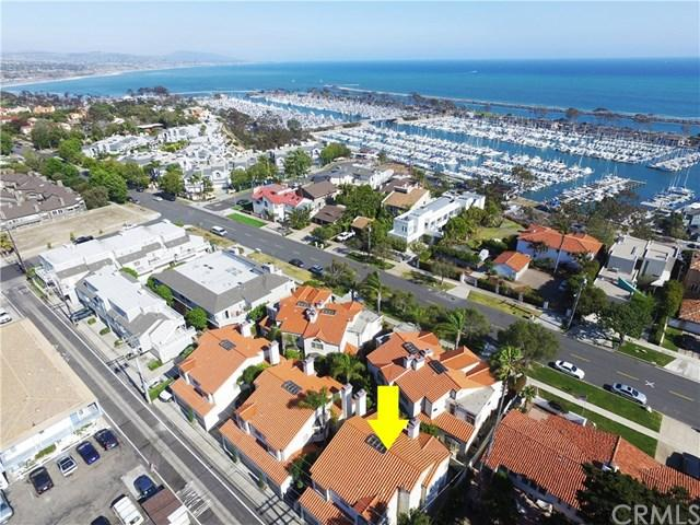 24425 Santa Clara Avenue, Dana Point, CA 92629 (#OC17216729) :: Doherty Real Estate Group