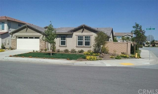 35094 Painted Rock Street, Winchester, CA 92596 (#SW17218145) :: Realty Vault