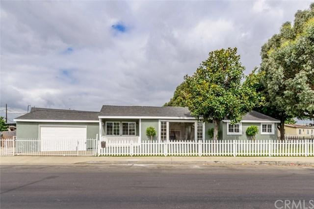 1351 Drumm Avenue, Wilmington, CA 90744 (#DW17218299) :: Kim Meeker Realty Group