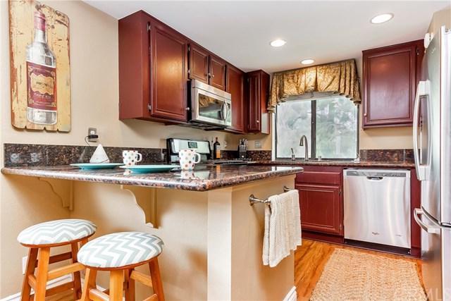 27 Bramble Lane #171, Aliso Viejo, CA 92656 (#OC17217441) :: Doherty Real Estate Group