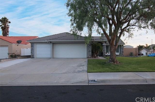 2869 W Plaza Serena Drive, Rialto, CA 92376 (#IV17217760) :: Mainstreet Realtors®