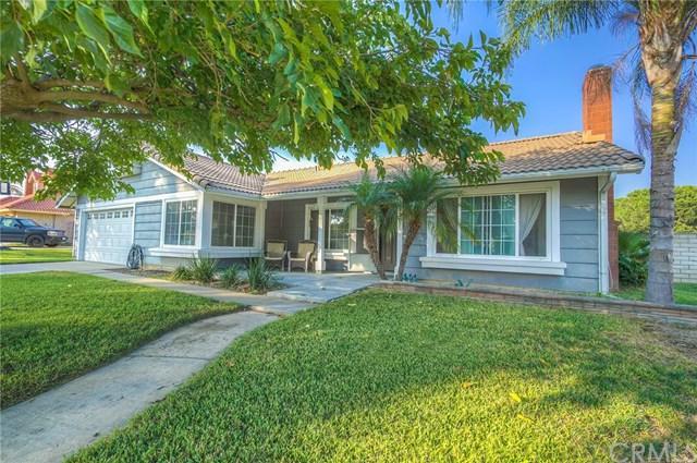 2307 N Palm Avenue, Rialto, CA 92377 (#CV17218419) :: Mainstreet Realtors®