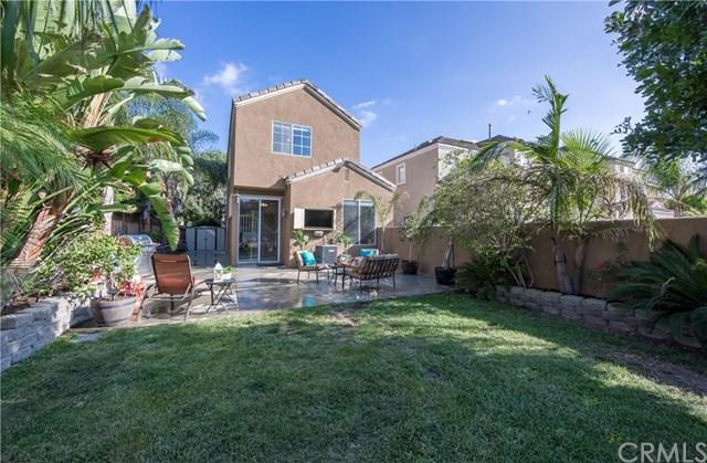 24 Rue Fontaine, Lake Forest, CA 92610 (#OC17218370) :: Doherty Real Estate Group