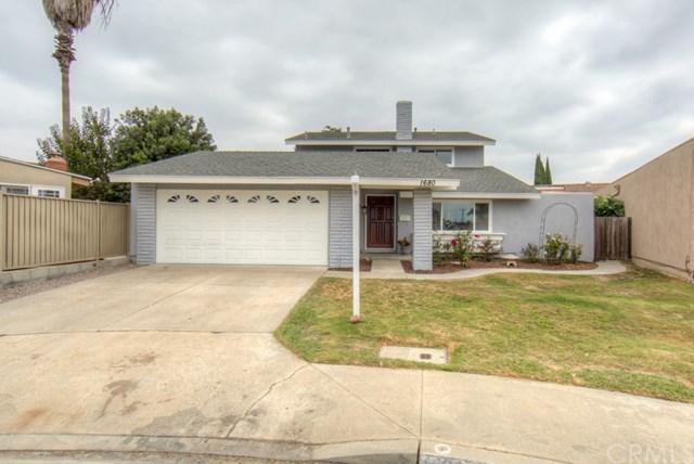 1680 Rhode Island Circle, Costa Mesa, CA 92626 (#RS17218324) :: Mainstreet Realtors®