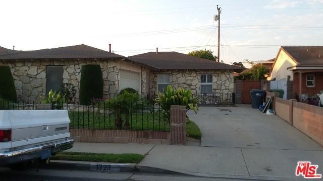 1323 E 214TH Street, Carson, CA 90745 (#17271836) :: Kato Group
