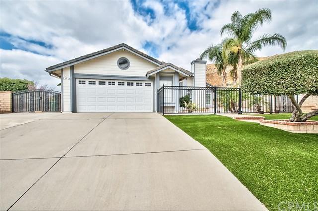 11713 Chamomile Circle, Moreno Valley, CA 92557 (#IV17218110) :: Impact Real Estate
