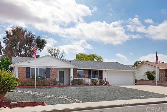 25749 Sandy Lodge, Menifee, CA 92586 (#SW17213408) :: Dan Marconi's Real Estate Group