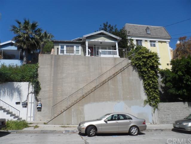 730 W 2nd Street, San Pedro, CA 90731 (#SB17219227) :: Kato Group