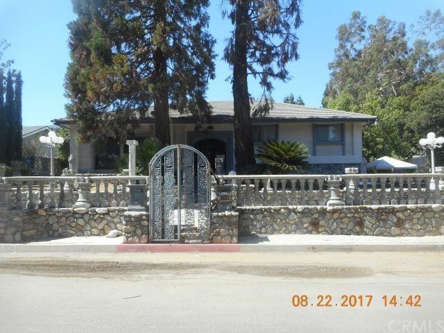 2451 N Mountain Avenue, Upland, CA 91784 (#CV17219794) :: CG Realtors