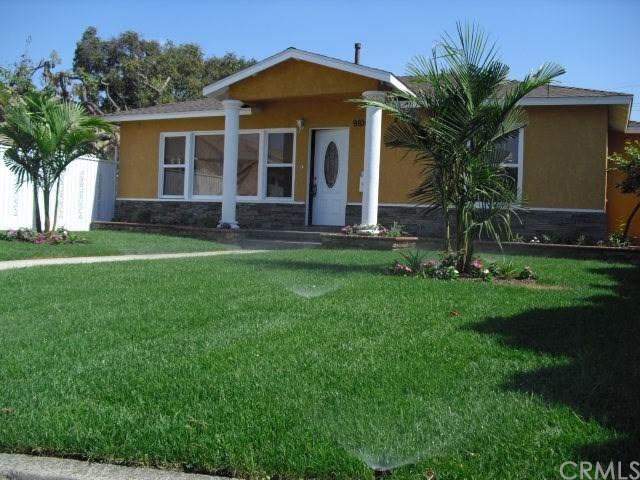 9100 Orizaba Avenue, Downey, CA 90240 (#DW17220273) :: Kato Group