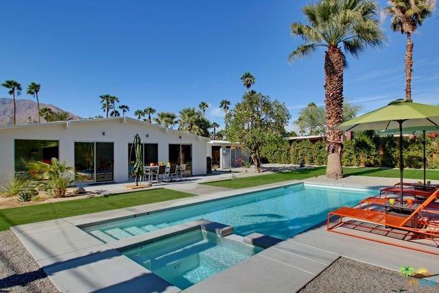 2132 N Via Miraleste, Palm Springs, CA 92262 (#17270064PS) :: The DeBonis Team
