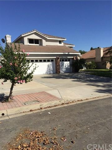 7525 Concord Avenue, Fontana, CA 92336 (#CV17220889) :: Mainstreet Realtors®