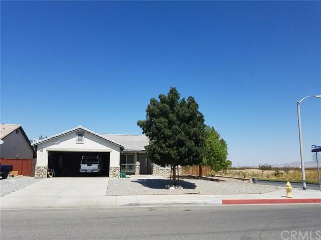 11890 Star Street, Adelanto, CA 92301 (#WS17221232) :: Mainstreet Realtors®