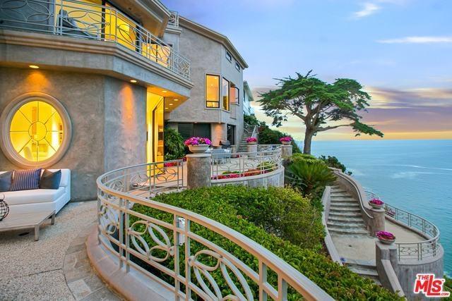 199 Emerald Bay, Laguna Beach, CA 92651 (#17246532) :: Mainstreet Realtors®