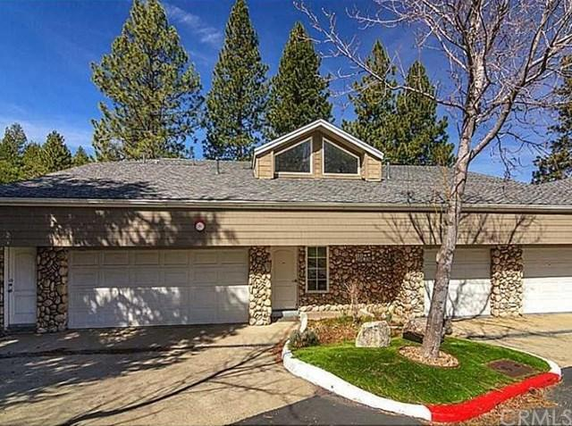 332 Lake Resort Road, Lake Arrowhead, CA 92352 (#EV17224312) :: Angelique Koster