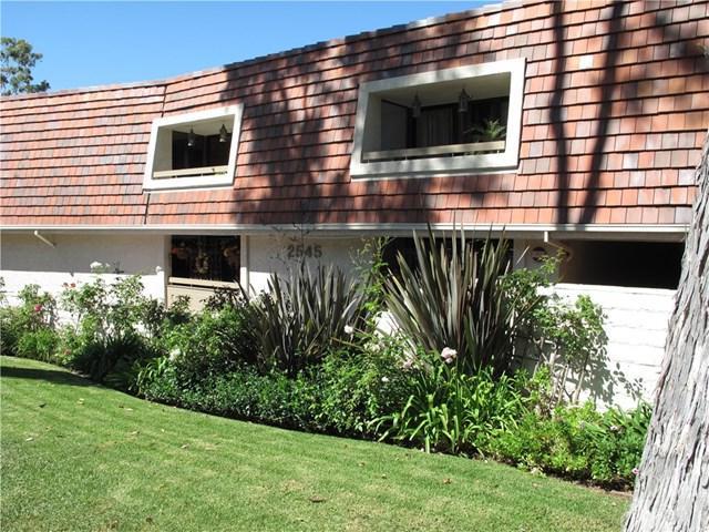 2545 Via Campesina #201, Palos Verdes Estates, CA 90274 (#SB17224118) :: RE/MAX Estate Properties