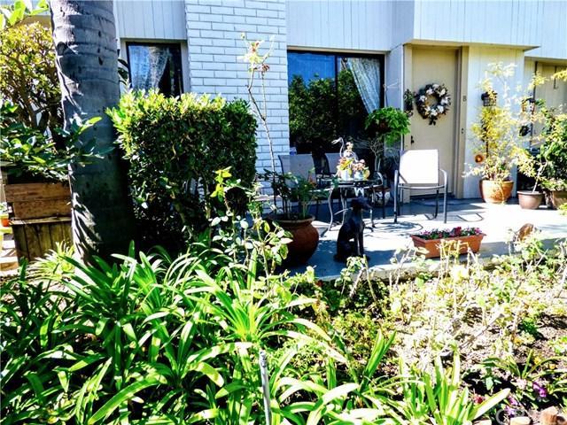 3601 W Fox Ridge Lane B, Rolling Hills Estates, CA 90274 (#PV17219982) :: Erik Berry & Associates