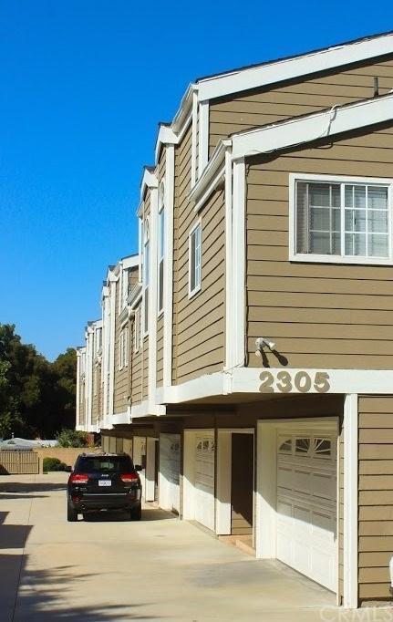2305 241st Street #3, Lomita, CA 90717 (#SB17226432) :: Keller Williams Realty, LA Harbor