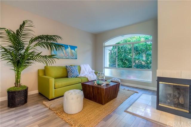 1629 E Palm Avenue #8, El Segundo, CA 90245 (#SB17227924) :: Erik Berry & Associates