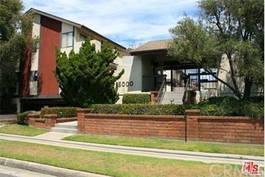 15000 Halldale Avenue #225, Gardena, CA 90247 (#PW17229272) :: Keller Williams Realty, LA Harbor