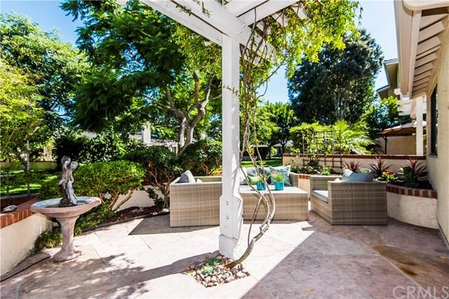 24 Grenada Court, Manhattan Beach, CA 90266 (#SB17231613) :: RE/MAX Estate Properties