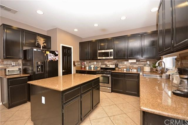 16522 Badalona Street, Lake Elsinore, CA 92530 (#SW17233233) :: Allison James Estates and Homes