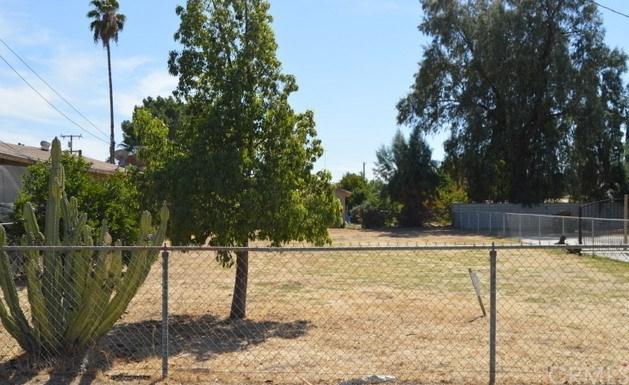 0 Bruce Street, Highland, CA 92346 (#EV17234284) :: RE/MAX Estate Properties