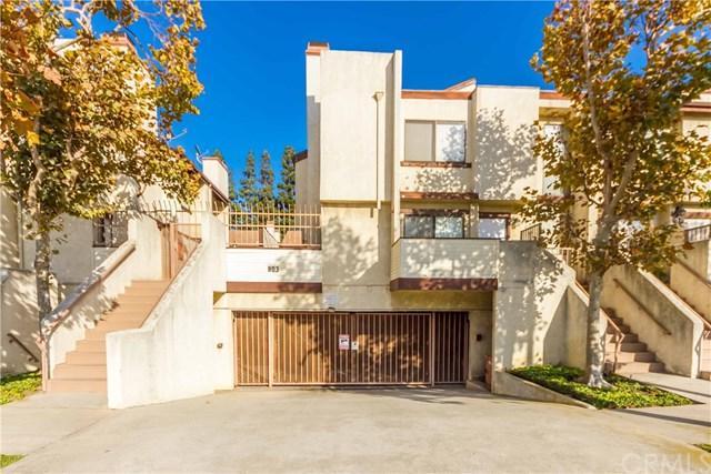 803 E Victoria Street #111, Carson, CA 90746 (#SB17233329) :: RE/MAX Estate Properties