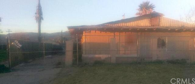 26624 Ward Street 1-4, Highland, CA 92346 (#DW17235232) :: RE/MAX Estate Properties