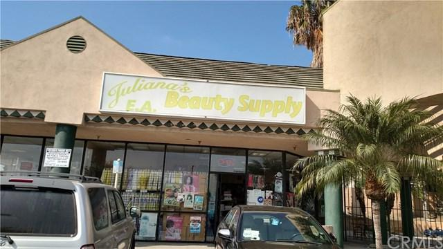 3933 Rosecrans Ave, Hawthorne, CA 90250 (#SB17235407) :: Erik Berry & Associates
