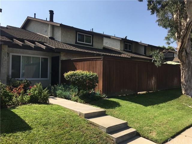 800 W 223rd Street W #3, Torrance, CA 90502 (#SB17235691) :: RE/MAX Estate Properties