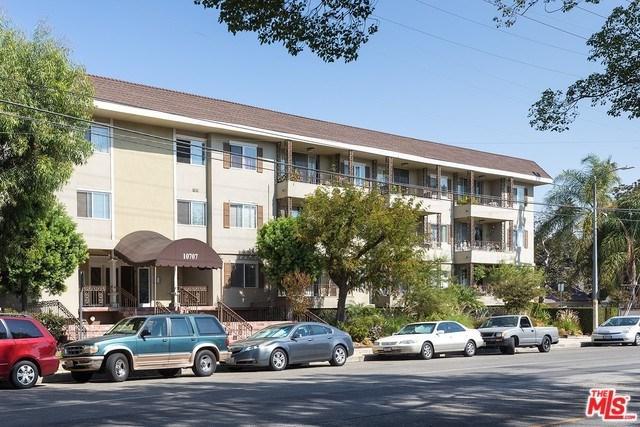 10707 Camarillo Street #117, North Hollywood, CA 91602 (#17278366) :: Prime Partners Realty