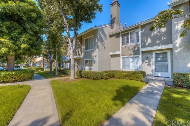 5 Fairside #9, Irvine, CA 92614 (#OC17236721) :: RE/MAX New Dimension