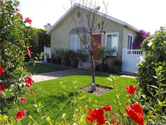 5038 W 129th Street, Hawthorne, CA 90250 (#SB17236952) :: Erik Berry & Associates