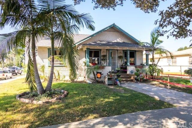 930 S Birch Street, Santa Ana, CA 92701 (#OC17237071) :: RE/MAX New Dimension