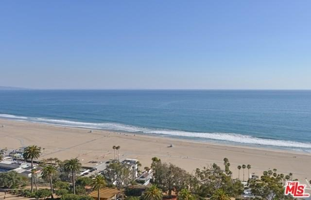 201 Ocean Avenue P1904, Santa Monica, CA 90402 (#17280674) :: Erik Berry & Associates