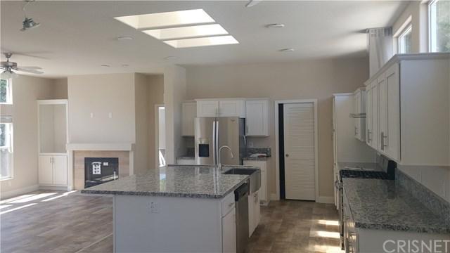 25 Essox -, Northridge, CA 91324 (#SR17237755) :: Fred Sed Realty