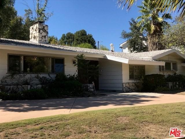 4133 Hayvenhurst Drive, Encino, CA 91436 (#17280666) :: Fred Sed Realty