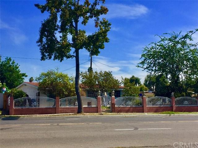 533 S Raitt Street, Santa Ana, CA 92703 (#OC17238320) :: The DeBonis Team