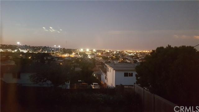 852 W 21st Street, San Pedro, CA 90731 (#SB17238270) :: Scott J. Miller Team/RE/MAX Fine Homes