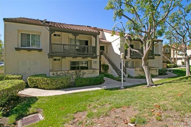 129 N Cross Creek Road F, Orange, CA 92869 (#OC17238190) :: DiGonzini Real Estate Group