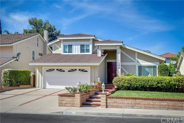 22931 Broadleaf, Lake Forest, CA 92630 (#OC17238243) :: Fred Sed Realty