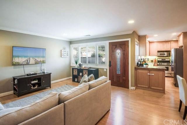 2422 Apple Avenue, Torrance, CA 90501 (#SB17235547) :: Erik Berry & Associates