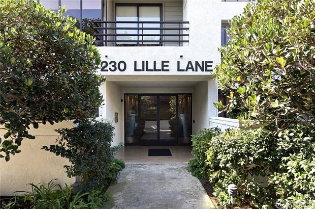 230 Lille Lane #118, Newport Beach, CA 92663 (#OC17238685) :: Teles Properties | A Douglas Elliman Real Estate Company