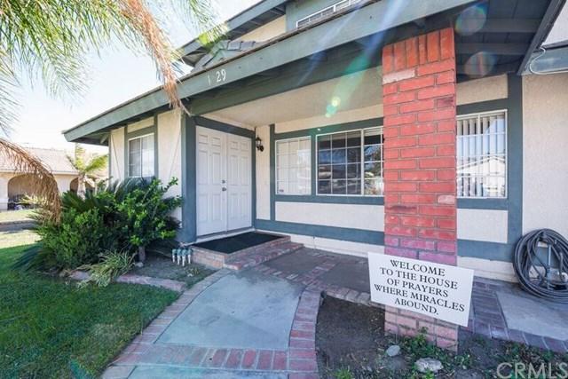 1029 W Madrona Street, Rialto, CA 92376 (#IV17238874) :: Mainstreet Realtors®