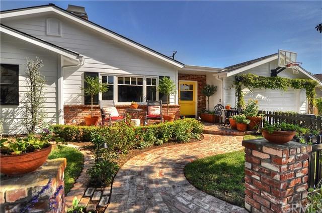 242 Robinhood Place, Costa Mesa, CA 92627 (#NP17237601) :: DiGonzini Real Estate Group