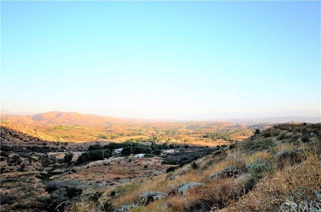 34634 Black Mountain, Temecula, CA 92592 (#SW17237628) :: Allison James Estates and Homes