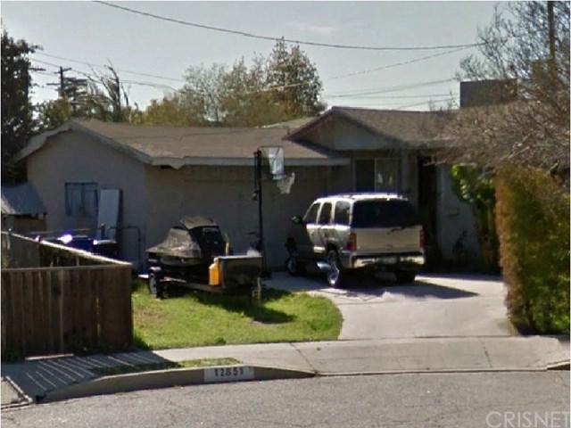 12851 De Haven Avenue, Sylmar, CA 91342 (#SR17238950) :: Fred Sed Realty