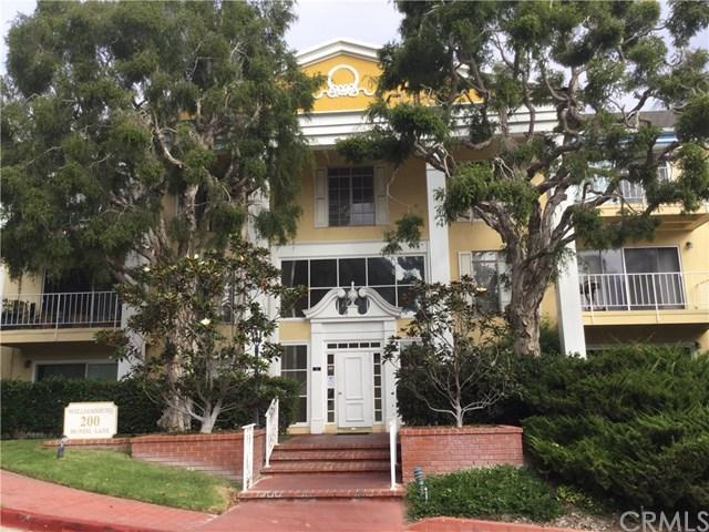 200 Mcneil Lane #102, Newport Beach, CA 92663 (#OC17239057) :: Teles Properties | A Douglas Elliman Real Estate Company