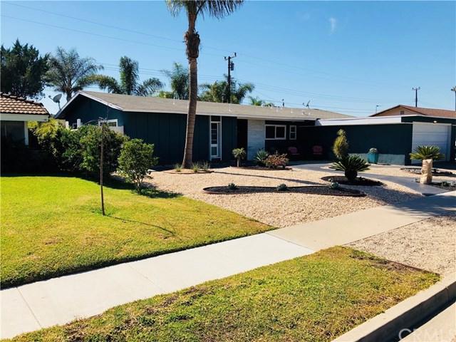 957 Magellan Street, Costa Mesa, CA 92626 (#OC17238322) :: Fred Sed Realty